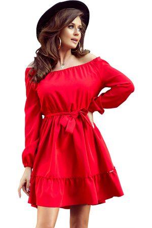 Numoco Czerwona zwiewna kobieca sukienka z falbankami