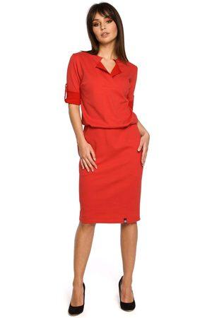Sale Czerwona sukienka w sportowym stylu z niską stójką