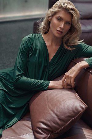 Figl Długa rozkloszowana sukienka kopertowa - zielona