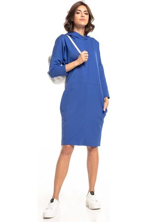 Tessita Dzianinowa sukienka z kapturem - chabrowa