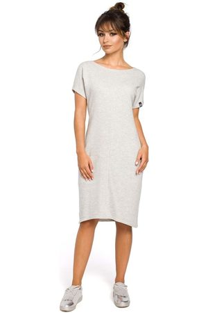 MOE Dresowa jasnoszara sukienka mini z kieszeniami w szwach
