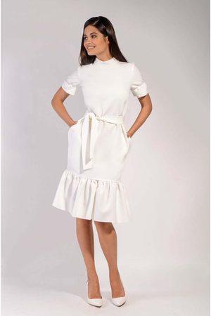 Nommo Ecru midi sukienka na stójce z falbankami