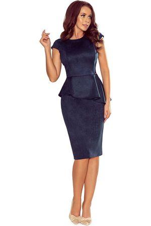 Numoco Elegancka ołówkowa sukienka midi z asymetryczną baskinką - granatowa