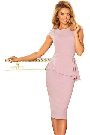 Numoco Elegancka ołówkowa sukienka midi z asymetryczną baskinką - różowa