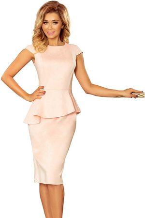 Numoco Elegancka ołówkowa sukienka midi z asymetryczną baskinką - jasnoróżowa