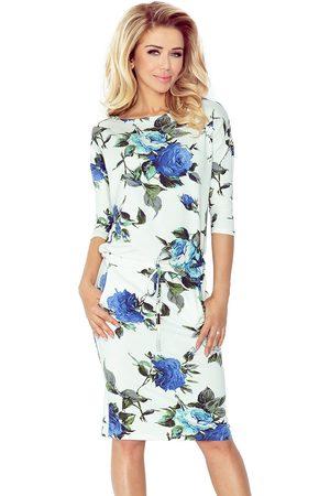 Numoco Ecru sukienka w duże chabrowe kwiaty ściągana w pasie