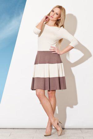 Figl Elegancka sukienka z rękawem 3/4 z kontrastowymi pasami - mocca