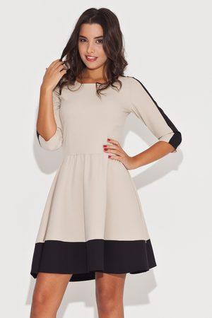 Katrus Elegancka beżowo-czarna sukienka z rękawem 3/4 z kolorowymi lamówkami
