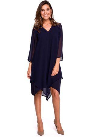 MOE Granatowa asymetryczna sukienka dwuwarstwowa z dzwonkowym rękawem