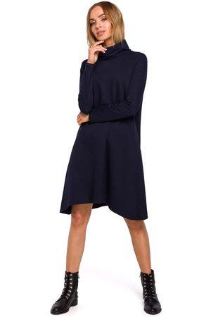 MOE Granatowa asymetryczna trapezowa sukienka z golfem