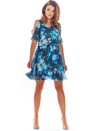 Awama Granatowa zwiewna letnia sukienka w kwiaty z rozciętym rękawem