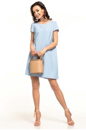 Tessita Jasnoniebieska sukienka o luźnym kroju z kontrafałdą