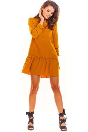 Awama Kamelowa trapezowa sukienka z doszytą falbanką