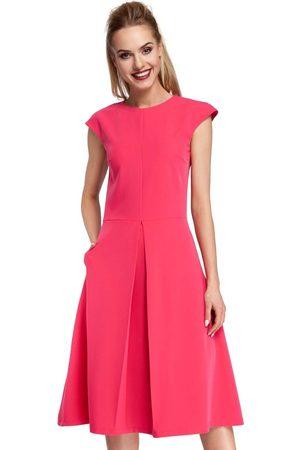 MOE Kobieta Sukienki koktajlowe i wieczorowe - Klasyczna rozkloszowana różowa sukienka z kontrafałdą