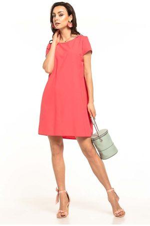 Tessita Koralowa sukienka o luźnym kroju z kontrafałdą