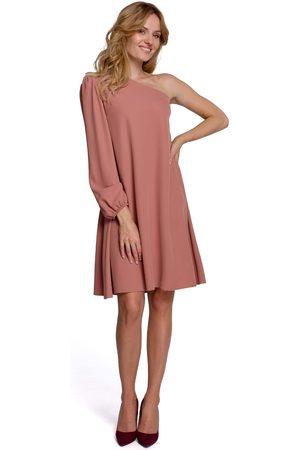 MOE Kobieta Sukienki koktajlowe i wieczorowe - Luźna sukienka na jedno ramię - różowa