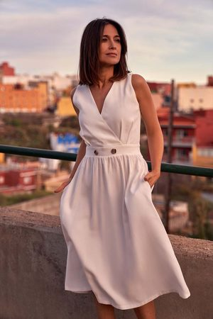 MOE Letnia sukienka z podkreśloną talią -ecru