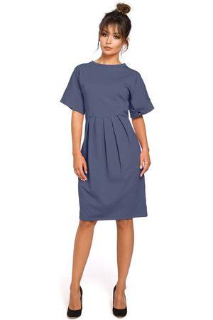 Moe Kobieta Sukienki koktajlowe i wieczorowe - Niebieska sukienka dresowa z zakładkami