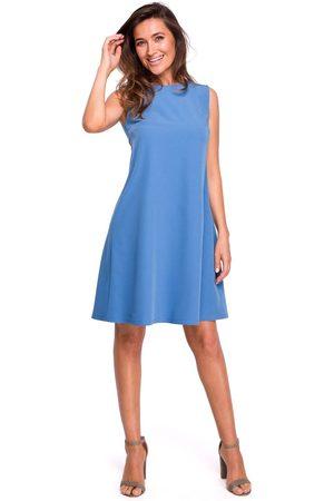 Moe Kobieta Sukienki koktajlowe i wieczorowe - Niebieska trapezowa sukienka z dekoltem na plecach