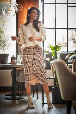 Awama Ołówkowa spódnica w kratę z guzikami - brązowa