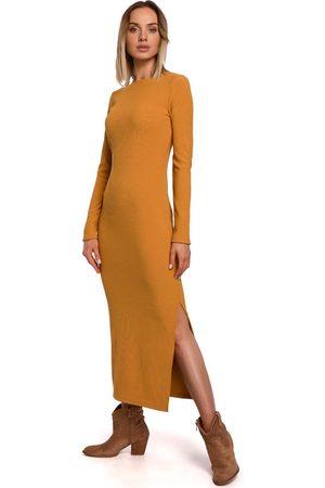 MOE Prążkowana maxi sukienka z rozcięciem - musztardowa