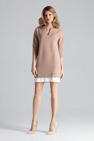 Figl Prosta różowa sukienka z rękawem 3/4 z kontrastową wypustką na dole