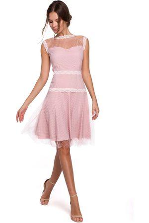 Makeover Kobieta Sukienki koktajlowe i wieczorowe - Pudrowa zwiewna tiulowa sukienka z koronką