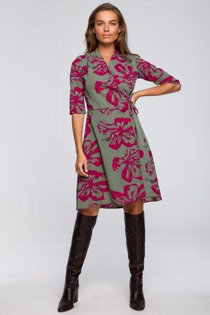 MOE Kobieta Sukienki koktajlowe i wieczorowe - Rozkloszowana sukienka kopertowa z wzorem- model2