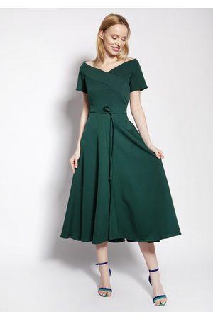 Lanti Rozkloszowana midi sukienka z dekoltem carmen - zielona
