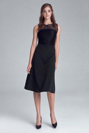 Nife Kobieta Sukienki koktajlowe i wieczorowe - Rozkloszowana sukienka z koronką - czarna