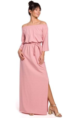 MOE Kobieta Sukienki dzianinowe - Różowa dzianinowa długa sukienka z szerokim dekoltem
