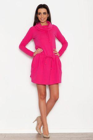 Katrus Różowa sportowa sukienka z lejącym golfem z troczkami