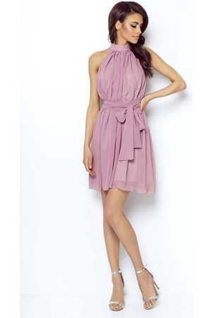 Ivon Różowa zwiewna koktajlowa sukienka z dekoltem halter na stójce