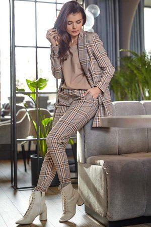 Awama Kobieta Spodnie - Spodnie w kratę ze zwężanymi nogawkami - brązowe
