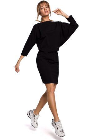 MOE Sukienka sportowa z dekoltem v na plecach - czarna