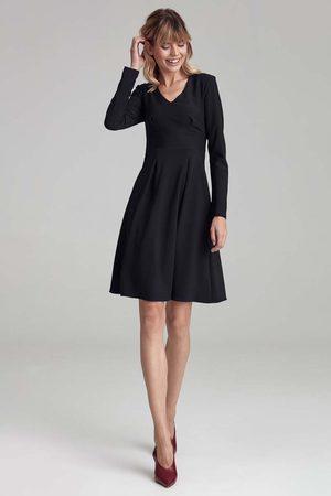 Nife Trapezowa sukienka z długim rękawem - czarna