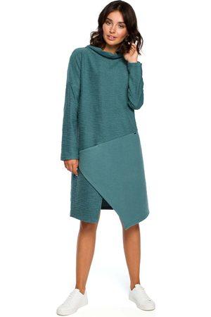 MOE Kobieta Sukienki asymetryczne - Turkusowa asymetryczna sukienka z golfem