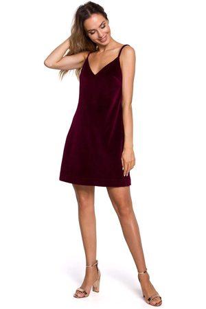 MOE Kobieta Sukienki koktajlowe i wieczorowe - Welurowa sukienka trapezowa na cienkich ramiączkach - bordowa