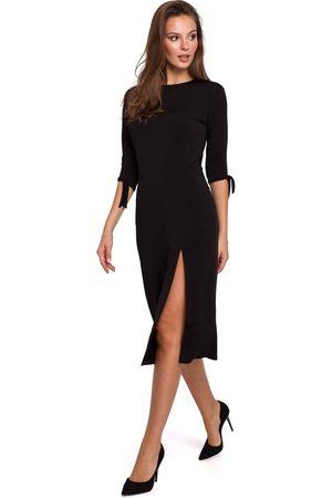 Makeover Wizytowa sukienka z rozcięciem na boku w czarnym kolorze