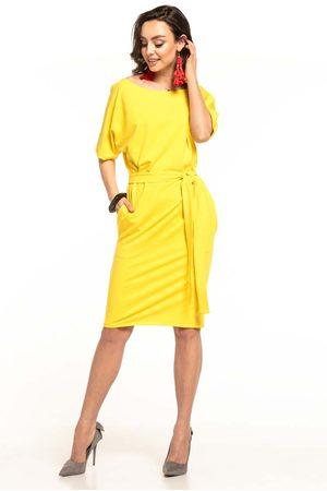 Tessita Żółta dzianinowa sukienka z kimonowym krótkim rękawem