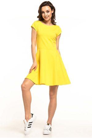 Tessita Żółta rozkloszowana sukienka dzianinowa na lato