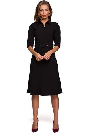 MOE Kobieta Sukienki koktajlowe i wieczorowe - Sukienka z kołnierzykiem i suwakiem z przodu - czarna