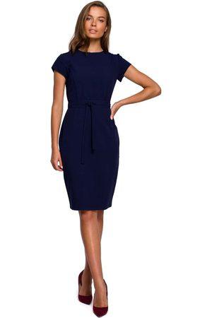 MOE Kobieta Sukienki dopasowane - Minimalistyczna ołówkowa sukienka z przeszyciami - granatowa