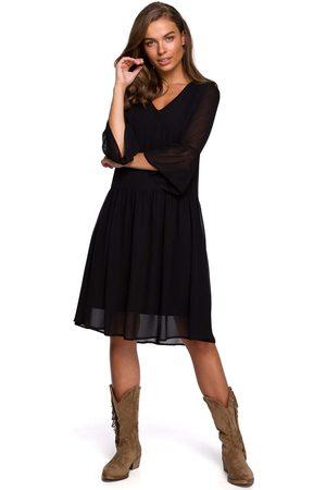 MOE Szyfonowa sukienka z falbanką na rękawach - czarna