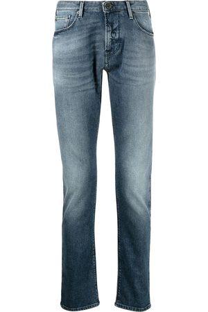Emporio Armani Mężczyzna Rurki i Slim Fit - Washed slim-fit jeans