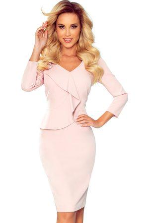 Numoco Kobieta Sukienki dopasowane - Ołówkowa sukienka z falbanką - różowa