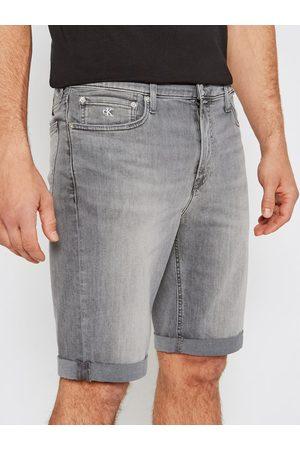 Calvin Klein Szorty jeansowe J30J317741 Slim Fit
