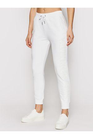 Calvin Klein Spodnie dresowe J20J215551 Regular Fit