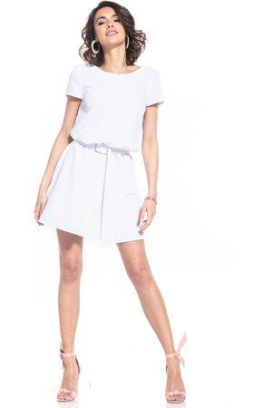 Tessita Kobieta Sukienki koktajlowe i wieczorowe - Rozkloszowana sukienka z dekoltem v na plecach - biała