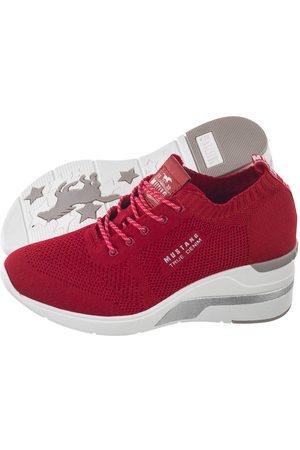 mustang Sneakersy Czerwone 46C0002 (MU384-b)